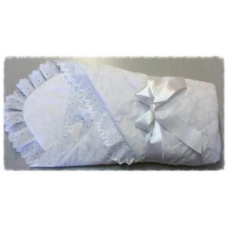 Нежность 051 - конверт-одеяло с уголком-капюшоном украшено кружевом.