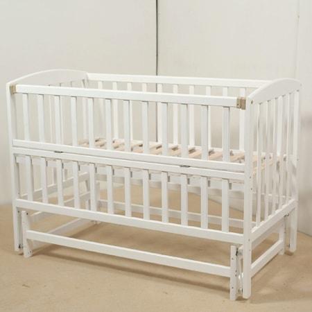 Детская кроватка Гойдалка-3 белая на шарнирах с откидной боковинкой