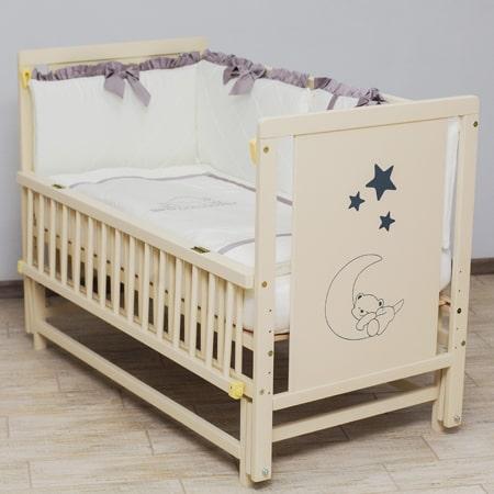 Детская кроватка Мишка на месяце из бука со вставками МДФ и маятниковым механизмом