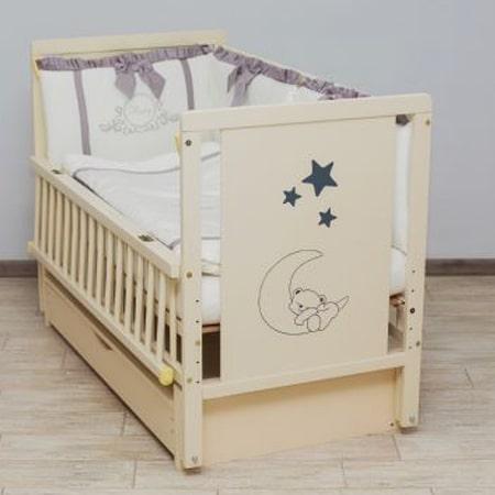 Детская кроватка Мишка на месяце 2 с закрытым ящиком, вставками МДФ и красивым рисунком