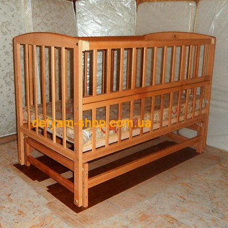 Гойдалка-3 детская нелакированная кроватка на шарнирах с откидной передней стенкой