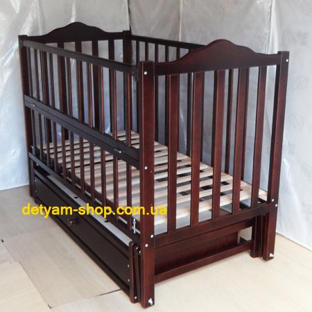 Детская кроватка Карпаты-люкс орех - кроватка на шарнирах со стопором и закрытым ящиком
