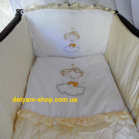 Ангелочек на тучке - набор постельного белья в кроватку с вышивкой (8 предметов)