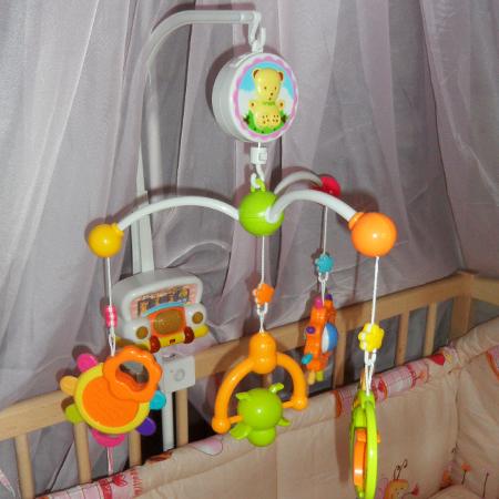 Карусель-ночник - музыкальная заводная каруселька на кроватку с подсветкой